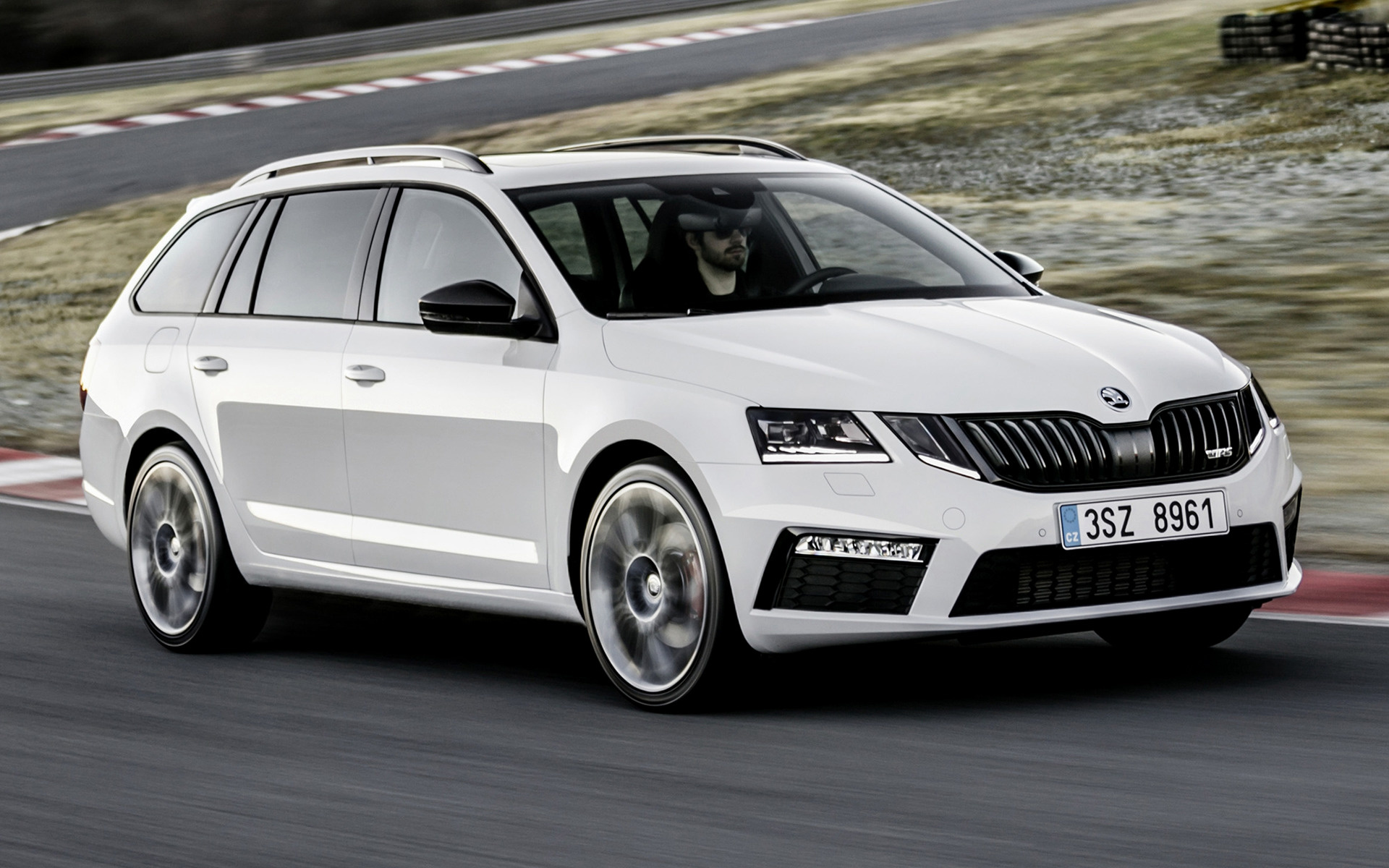skoda octavia rs combi 2017 wallpapers and hd images. Black Bedroom Furniture Sets. Home Design Ideas
