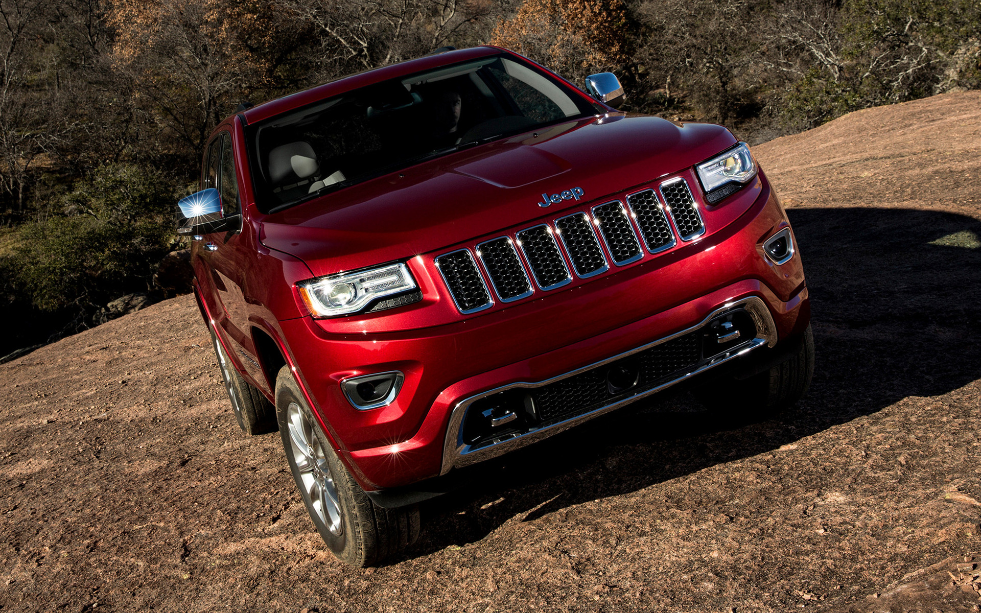 Jeep grand cherokee trailhawk desktop wallpaper hd car wallpapers - Jeep Grand Cherokee Overland 2013 Wallpapers And Hd