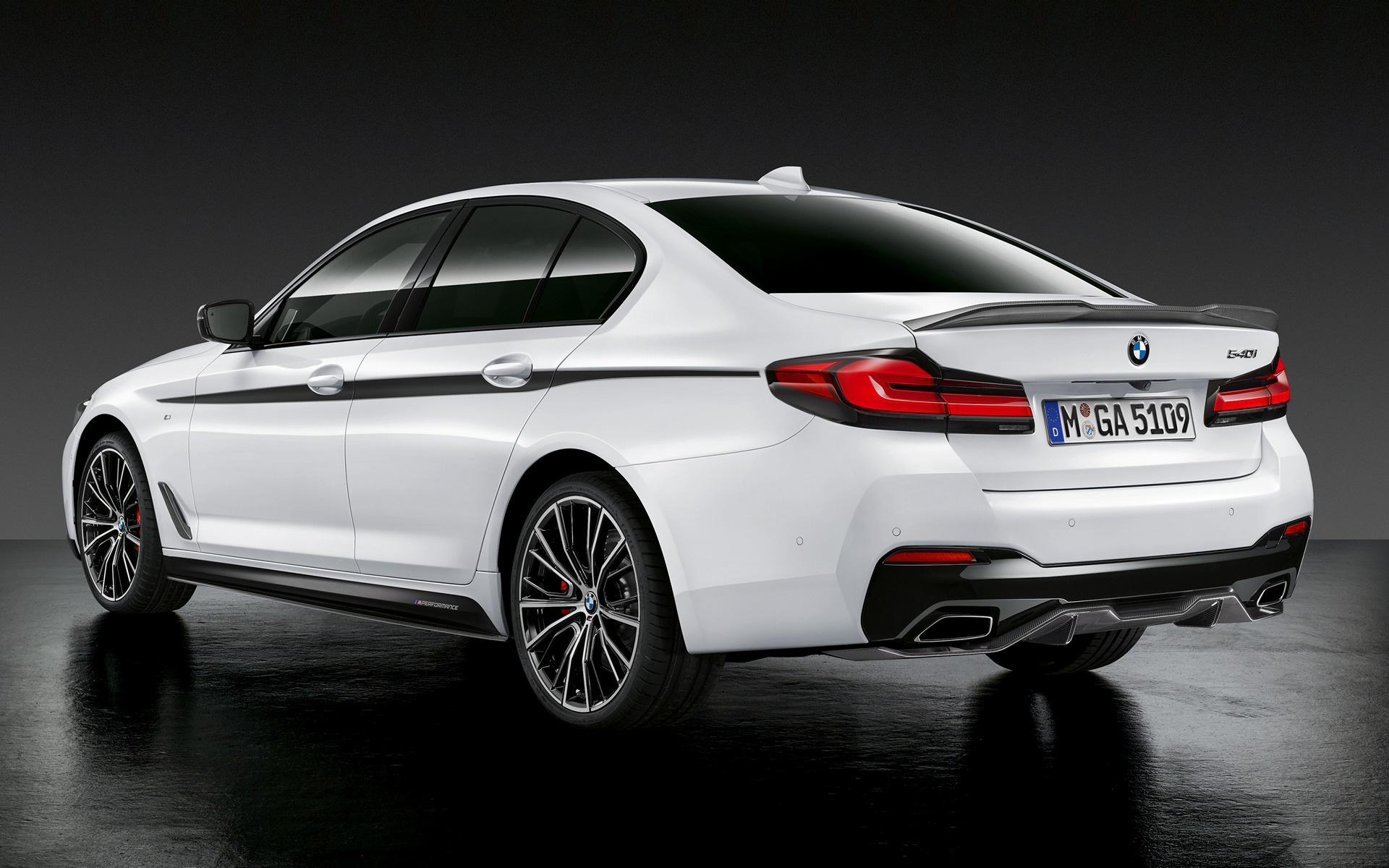 2020 BMW 550I Photos