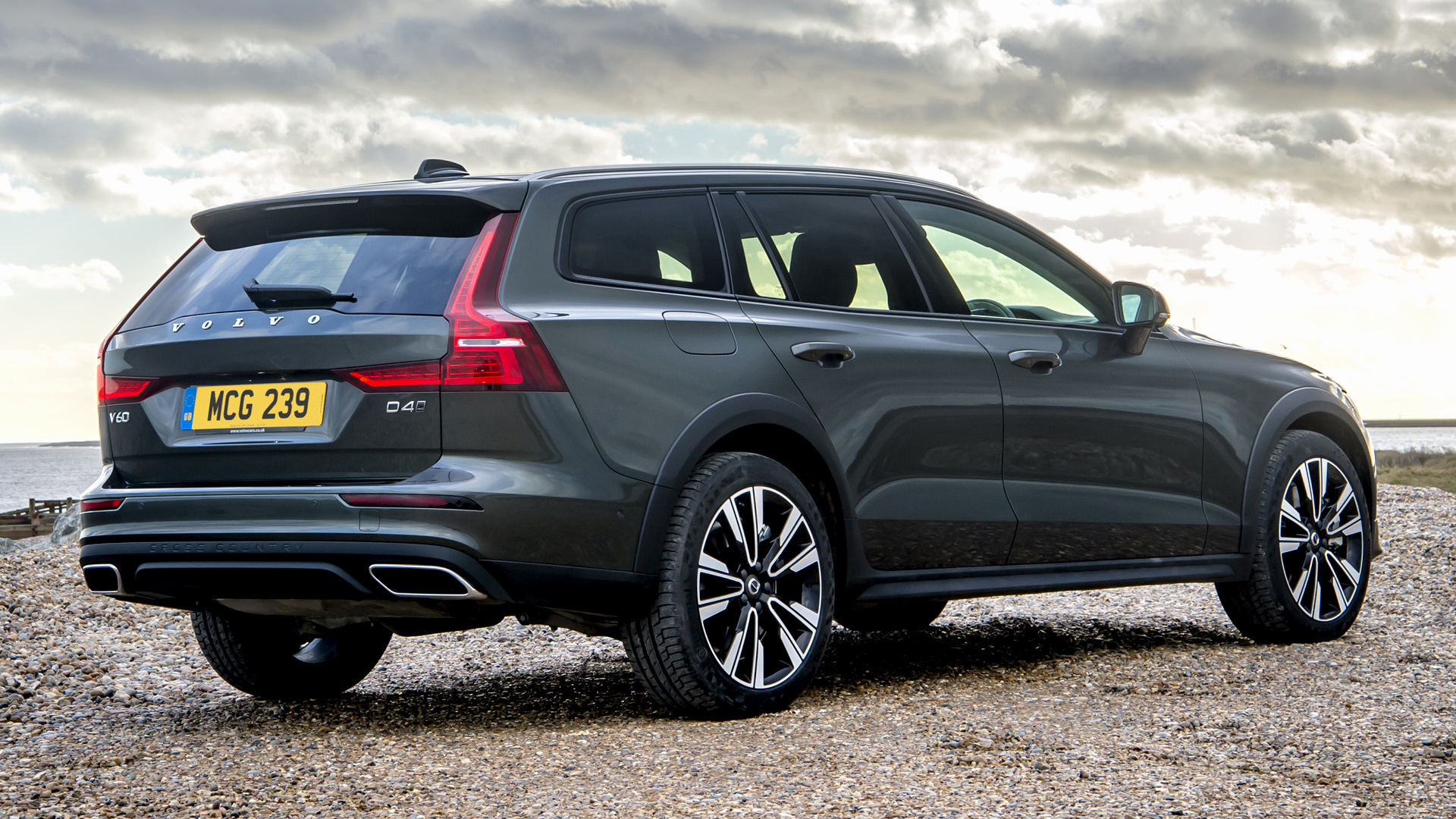 2019 Volvo V60 Cross Country (UK) - Wallpapers and HD ...