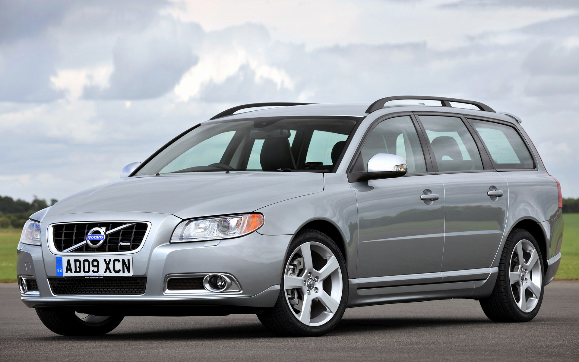 2009 Volvo V70 R-Design (UK) - Wallpapers and HD Images | Car Pixel