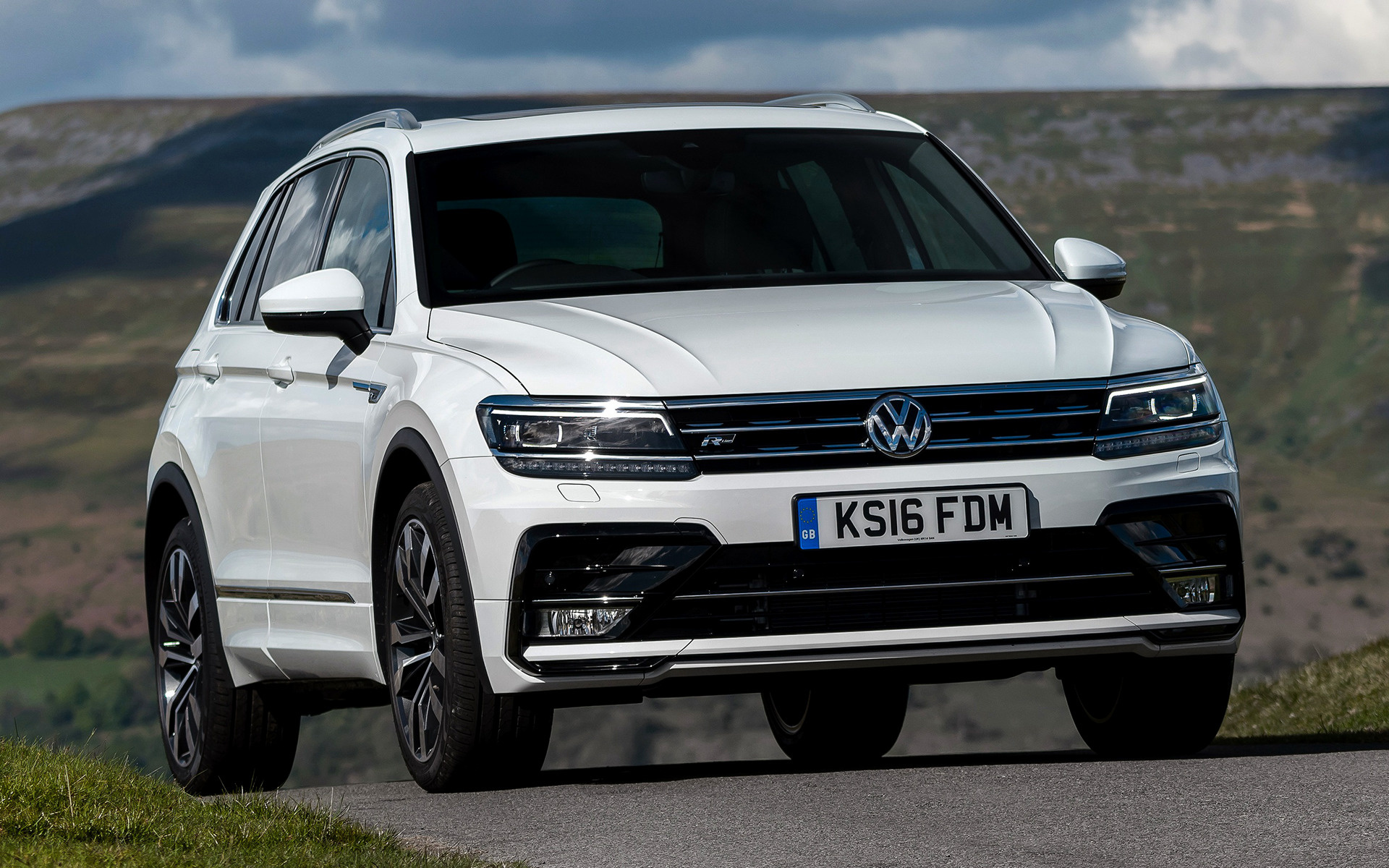 tiguan r line 2016 uk wallpapers and hd images   car pixel