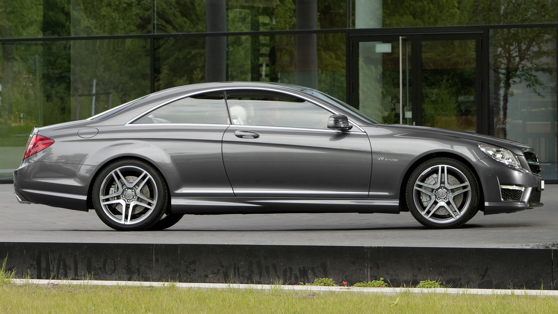 2010 mercedes benz cl 63 amg wallpapers and hd images. Black Bedroom Furniture Sets. Home Design Ideas