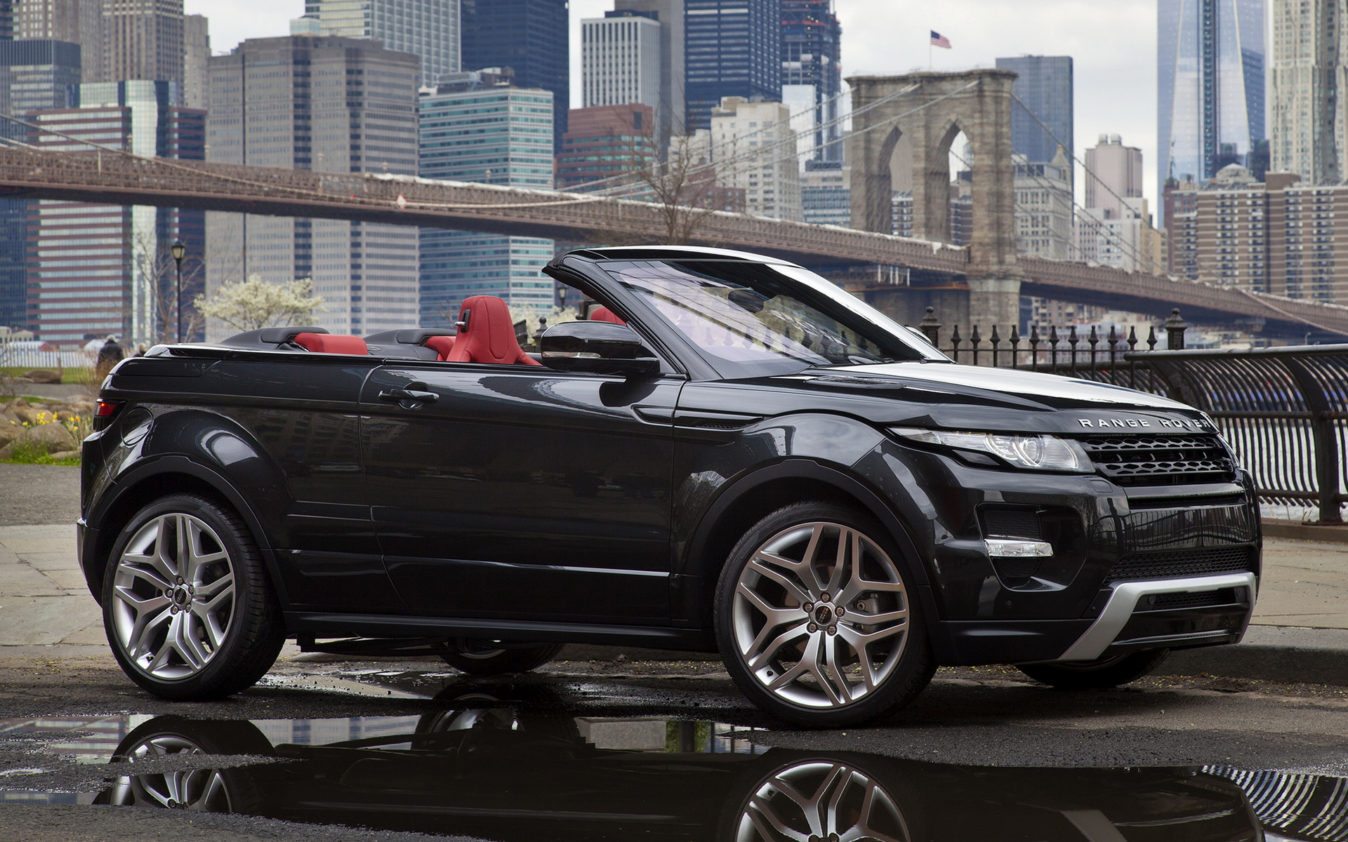 https://www.carpixel.net/w/efdd39c3fad01e21794982ead59781bb/range-rover-evoque-convertible-concept-car-wallpaper-36923.jpg