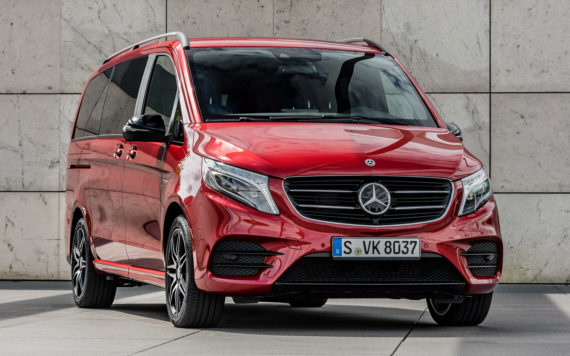 2017 mercedes benz v class designo hyacinth red metallic. Black Bedroom Furniture Sets. Home Design Ideas