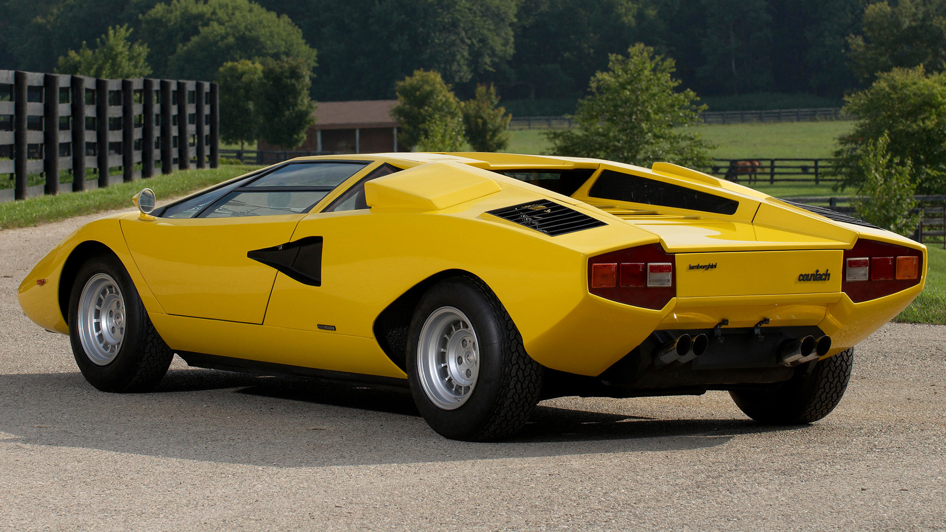 lamborghini countach 1974 uk wallpapers and hd images. Black Bedroom Furniture Sets. Home Design Ideas