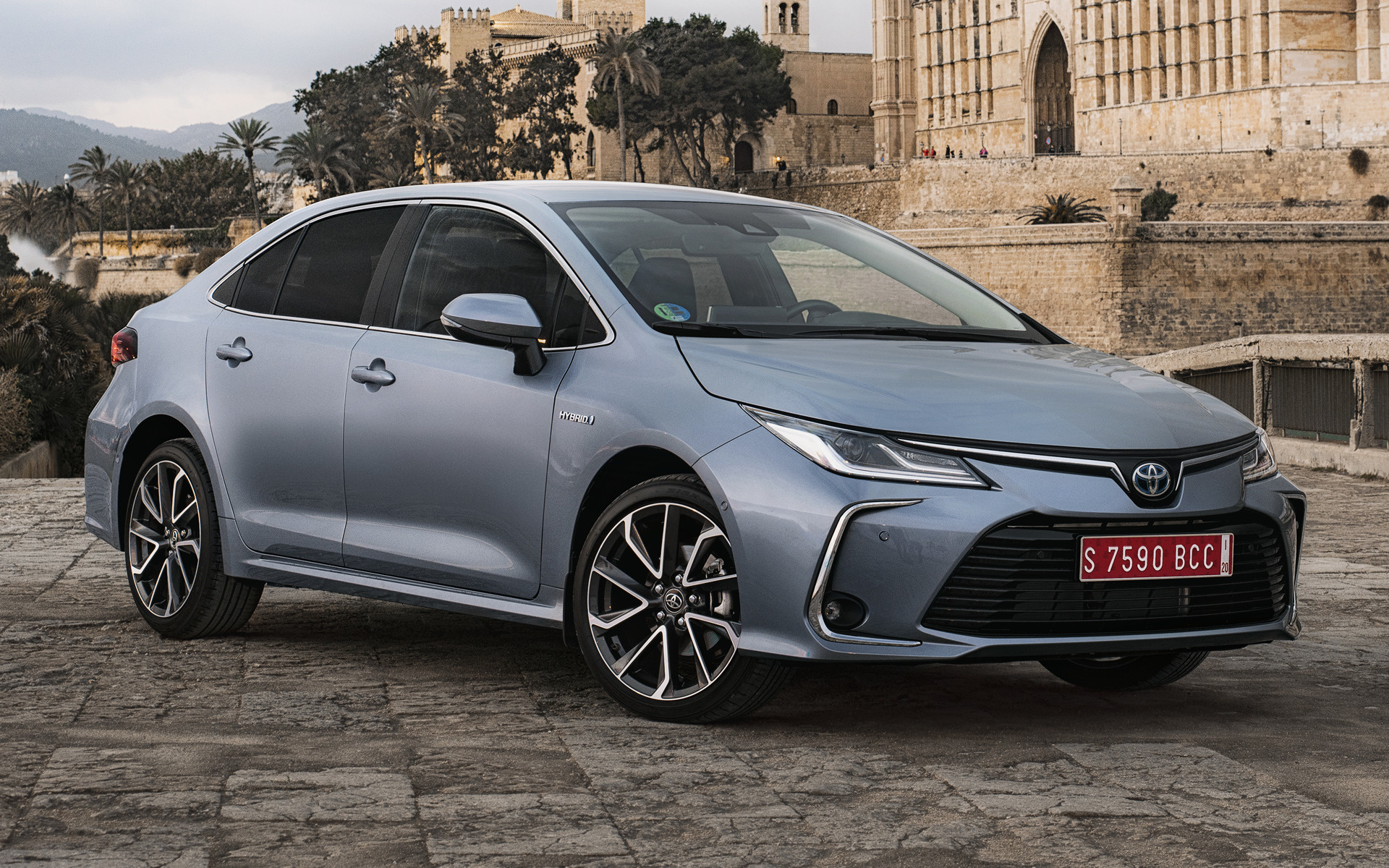 2019 Toyota Corolla Sedan Hybrid - Wallpapers and HD Images | Car Pixel