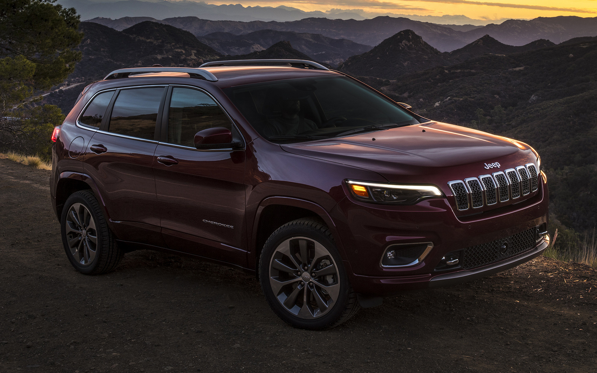 Jeep Cherokee Overland 2018 Wallpapers and HD Car Pixel