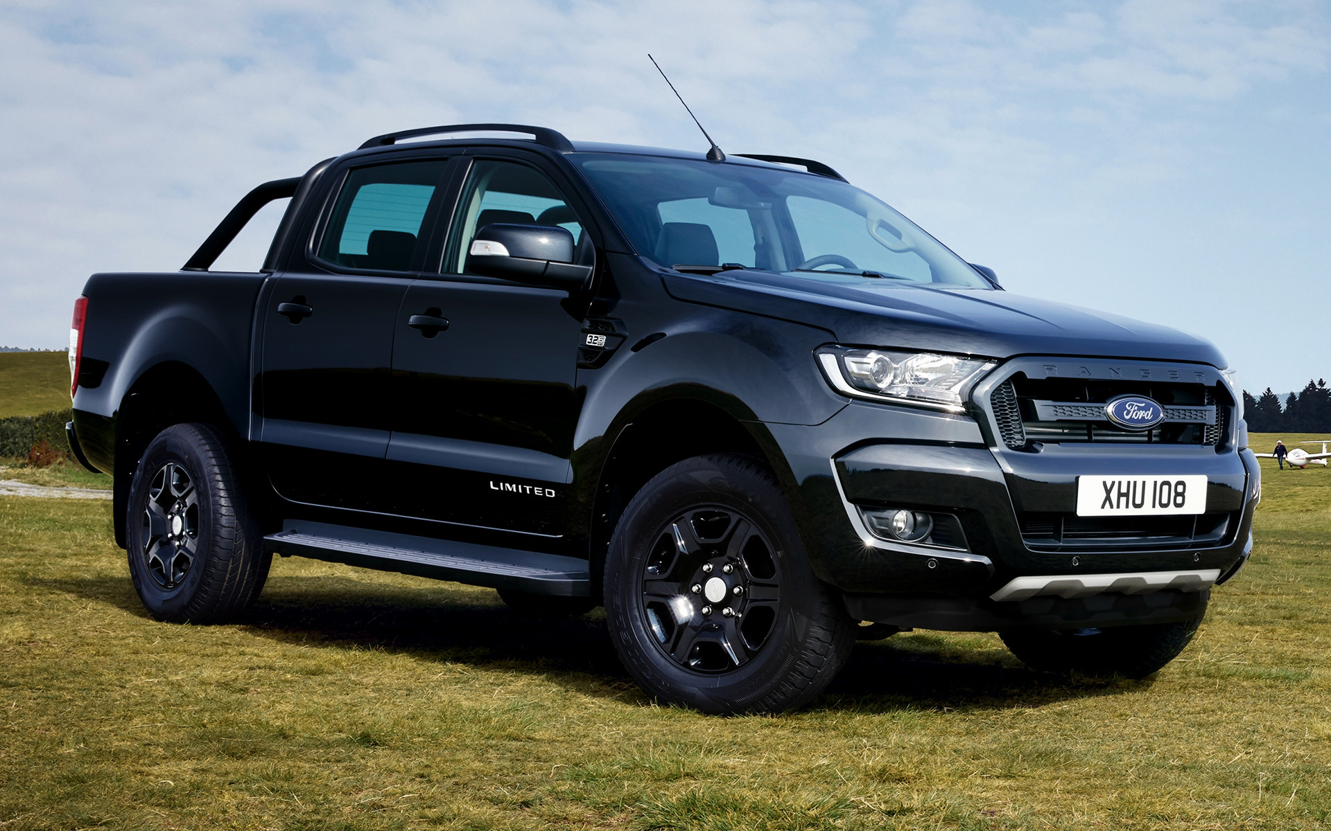ford ranger limited double cab black edition 2017. Black Bedroom Furniture Sets. Home Design Ideas