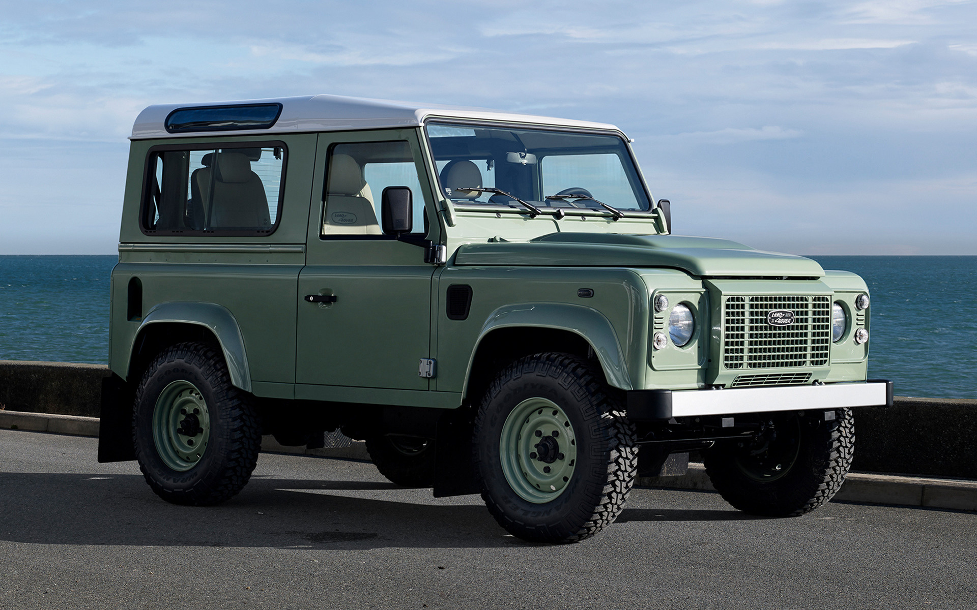 land rover defender 90 heritage 2015 wallpapers and hd images car pixel. Black Bedroom Furniture Sets. Home Design Ideas