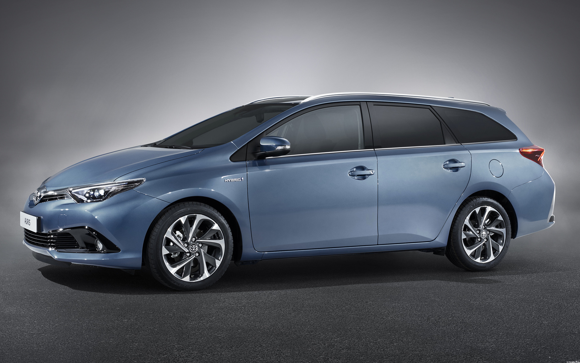 Toyota Auris Touring Sports Hybrid 2015 Wallpapers And