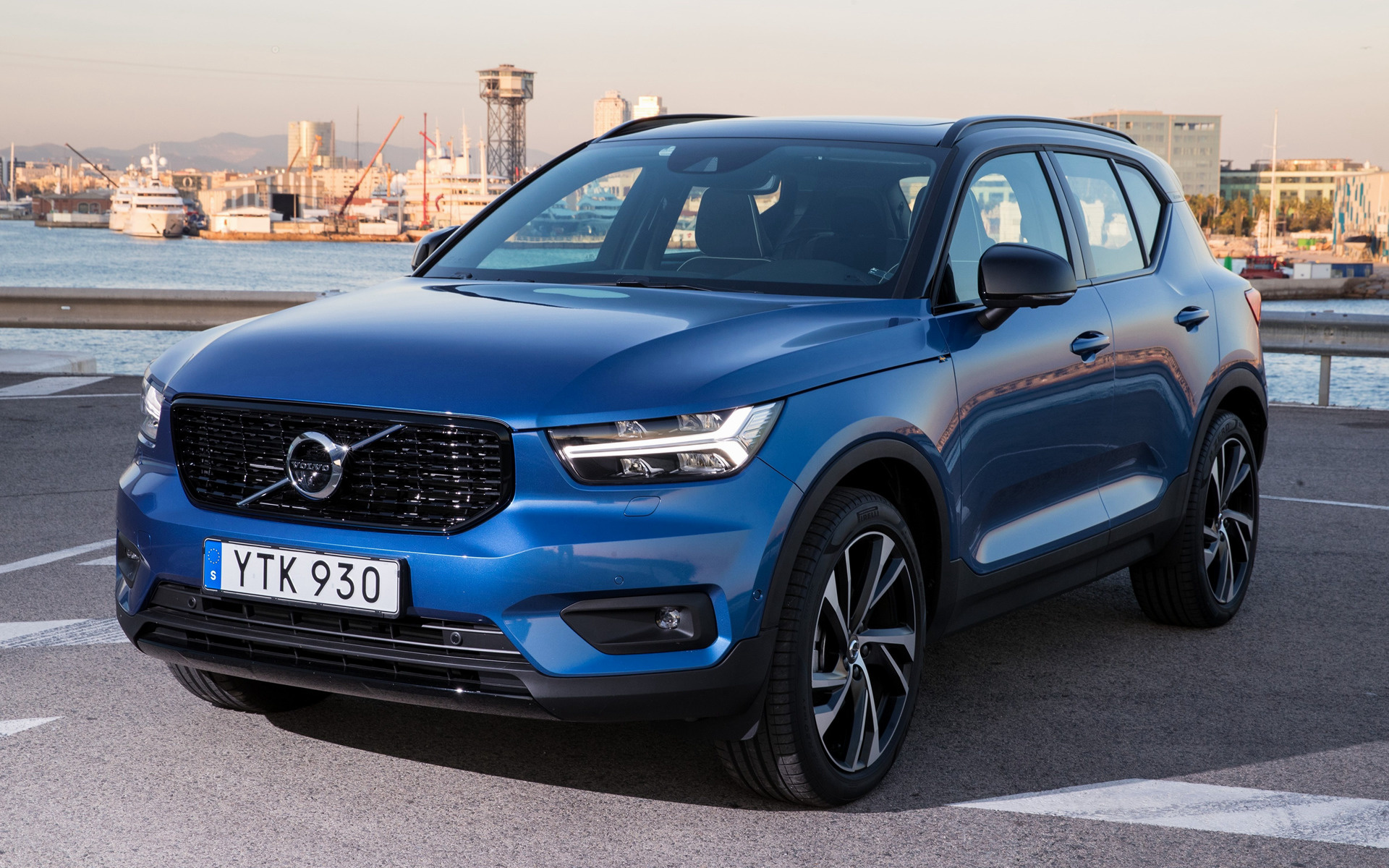 2017 Volvo Xc40 R Design Wallpapers And Hd Images Car