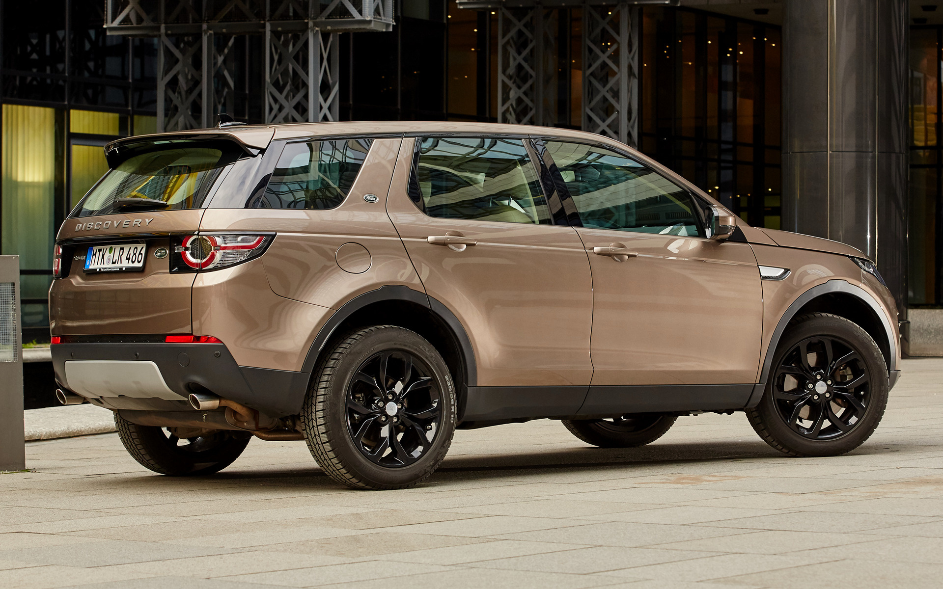 Range Rover Discovery Sport >> 2015 Land Rover Discovery Sport Black Design Pack - Wallpapers and HD Images   Car Pixel