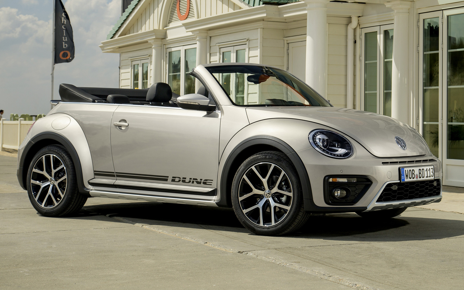 2016 Volkswagen Beetle Dune Cabriolet - Wallpapers and HD Images | Car Pixel