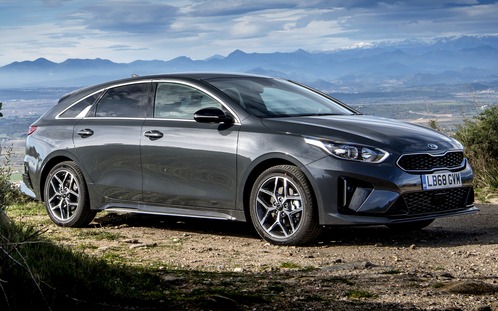 2019 kia proceed gt line uk wallpapers and hd images. Black Bedroom Furniture Sets. Home Design Ideas