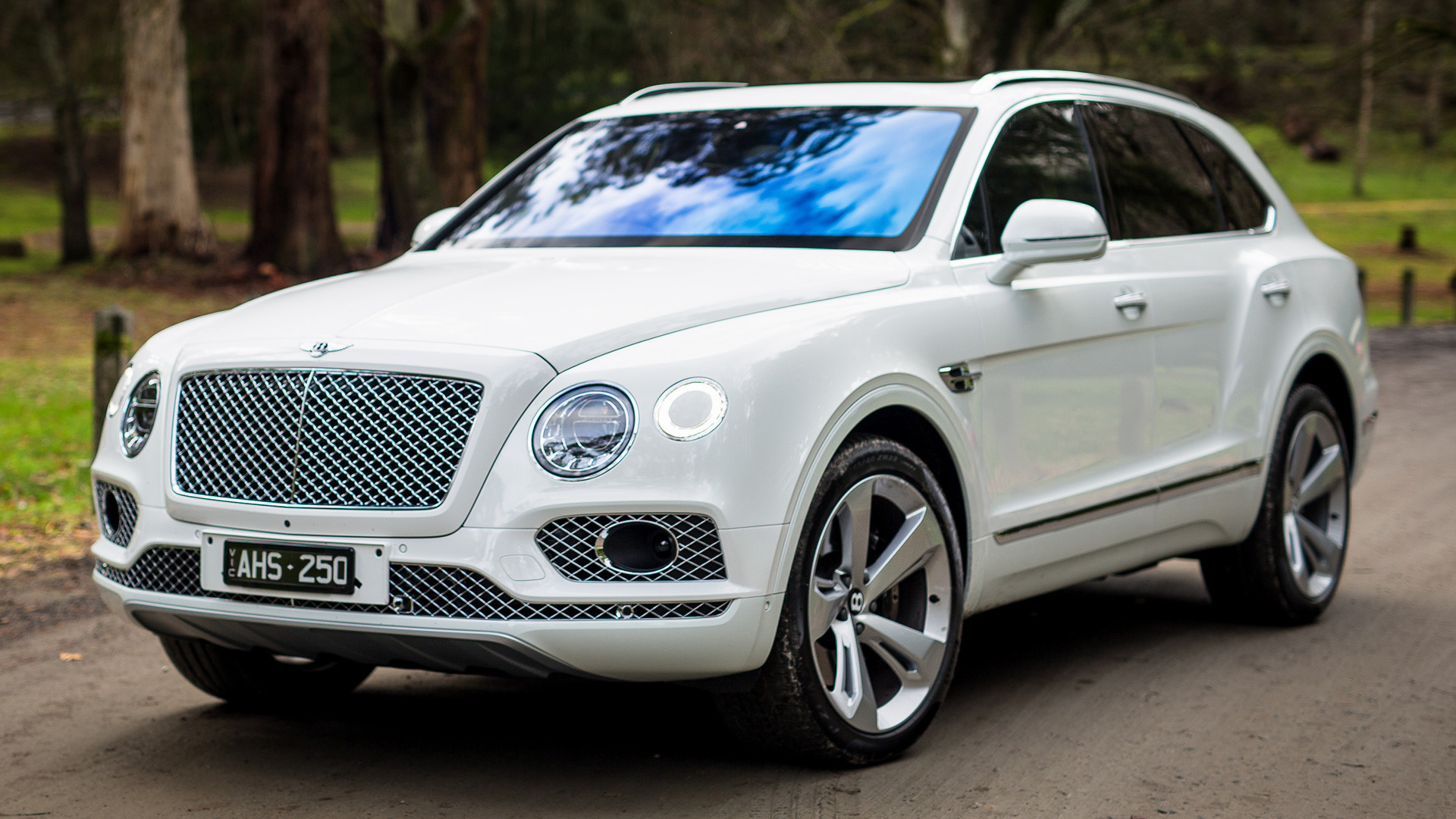 Bentley Bentayga (2016) AU Wallpapers and HD Images - Car ...