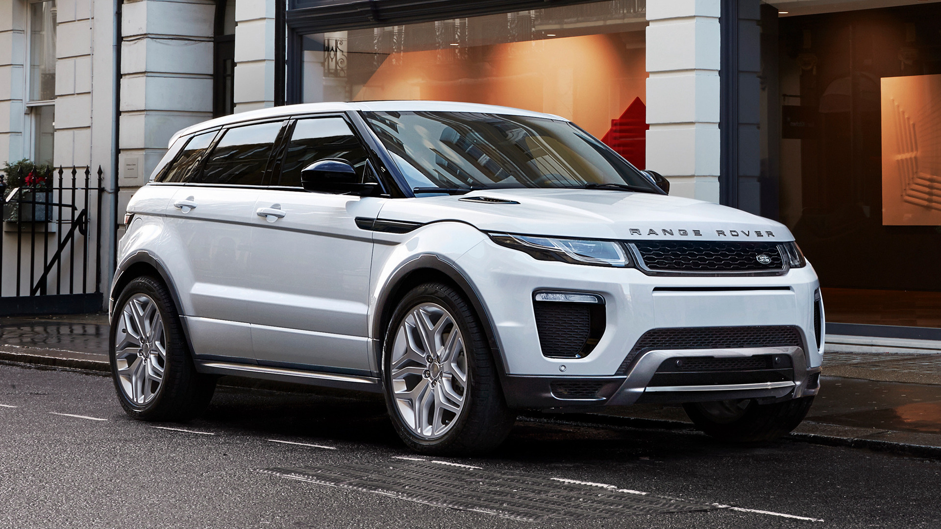 range rover evoque hse dynamic 2015 wallpapers and hd. Black Bedroom Furniture Sets. Home Design Ideas