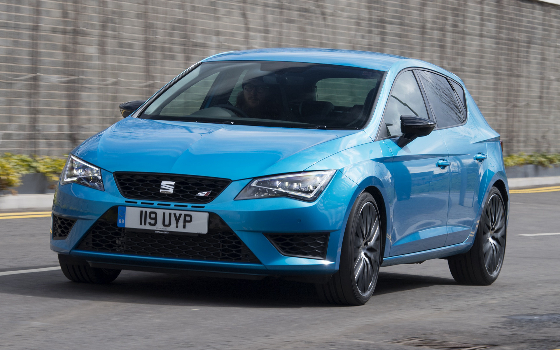 seat leon cupra 290 2016 uk wallpapers and hd images. Black Bedroom Furniture Sets. Home Design Ideas