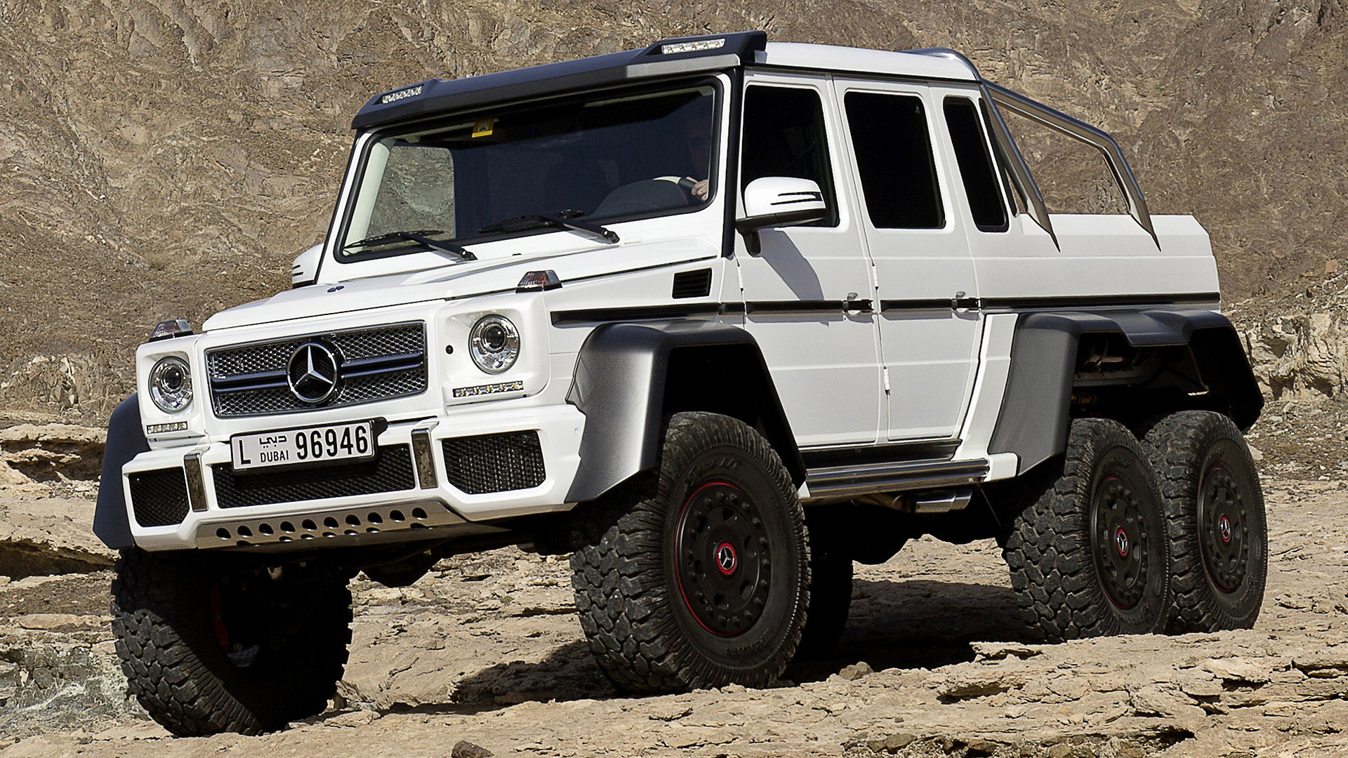 mercedes benz g 63 amg 6x6 2013 wallpapers and hd images car pixel. Black Bedroom Furniture Sets. Home Design Ideas